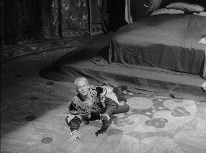 Hamlet 19